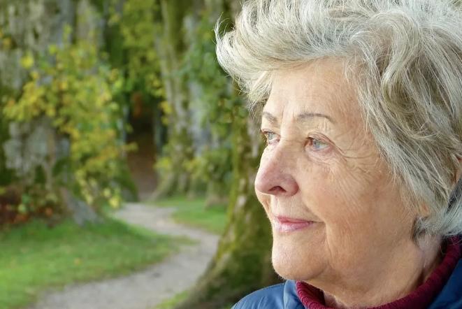 小分子肽能治疗老年痴呆吗.png